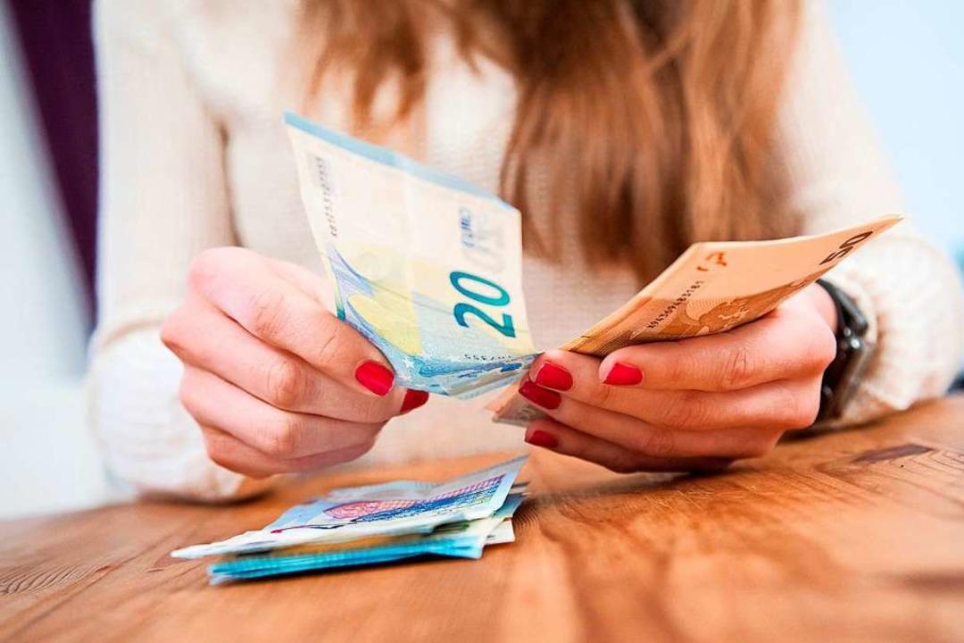 Mit einigen Weichenstellungen können V...r bis zum Jahresende noch Geld sparen.  | Foto: Christin Klose (dpa)