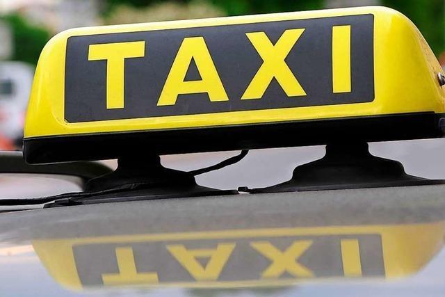 Frau prellt in Rheinfelden Taxifahrer – Zeugen gesucht