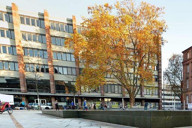 Baumbesetzung auf dem Freiburger Platz der Alten Synagoge