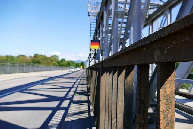 Die Rheinbrücke zwischen Neuenburg und Chalampé wird saniert