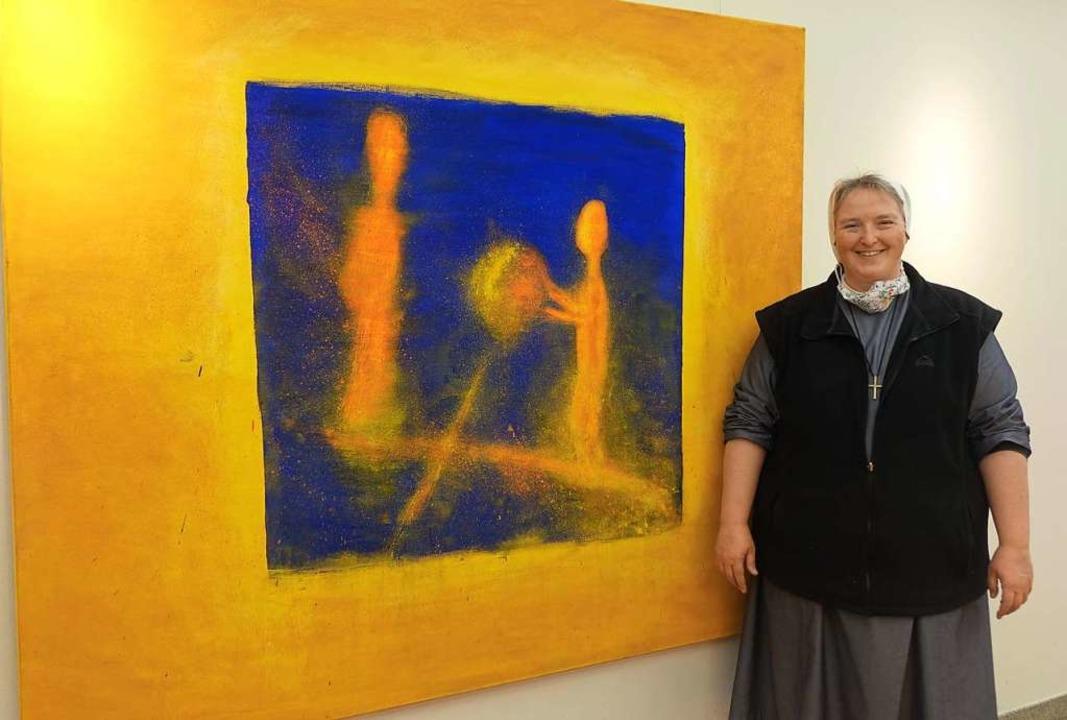 Schwester Mirjam Hinderberger  stellt ... zu geistlich-spirituellen Themen aus.  | Foto: Roswitha Frey