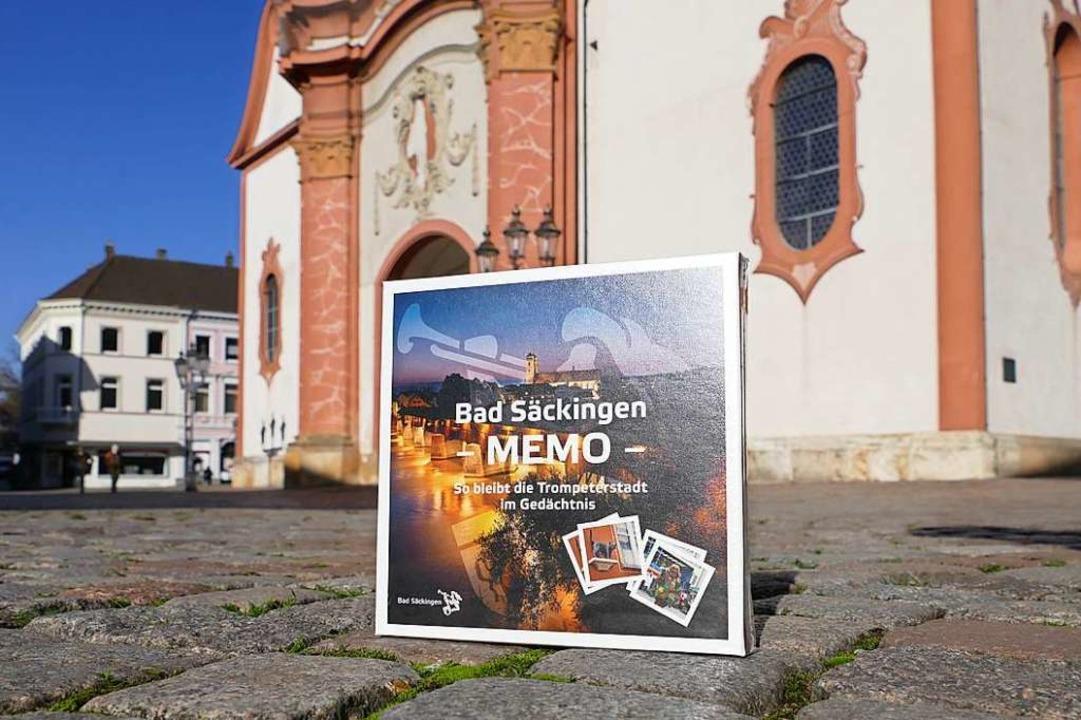 Natürlich hat es auch das Fridolinsmün...as Bad Säckinger Memo-Spiel geschafft.  | Foto: Stefan Mertlik