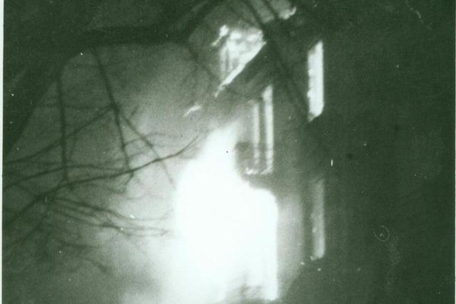 Bombenangriff auf Freiburg: Feuerwehr im Feuersturm