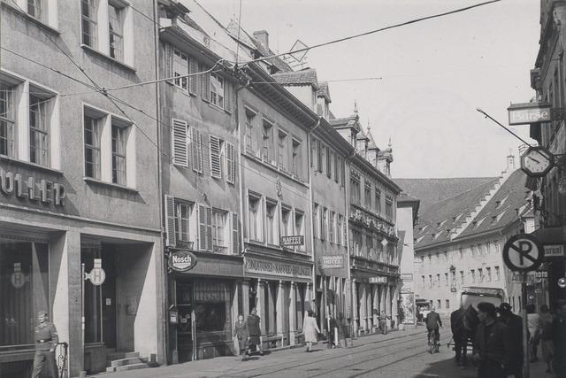 Nur ein einziges Gebäude blieb in der Kaiserstraße stehen