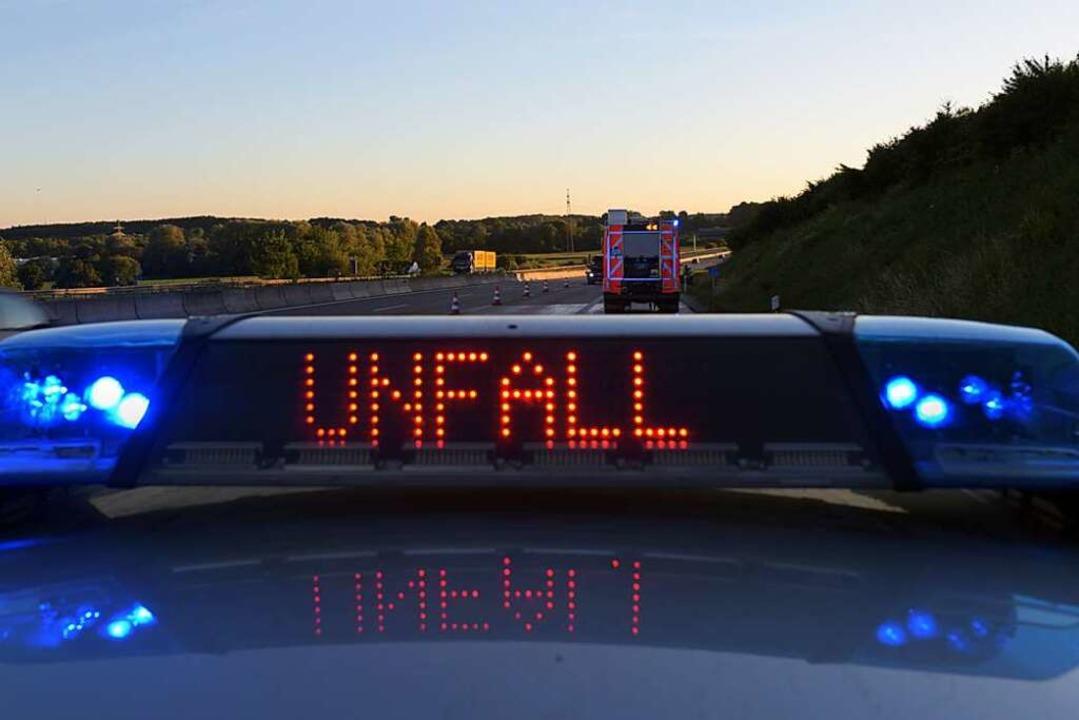 Eine Autofahrerin hat sich am Montagmo...ffenburg leicht verletzt (Symbolbild).  | Foto: Stefan Puchner