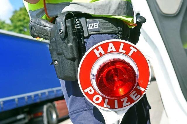 Polizei fasst 46-Jährigen wegen illegalen Waffenbesitzes in Neuenburg