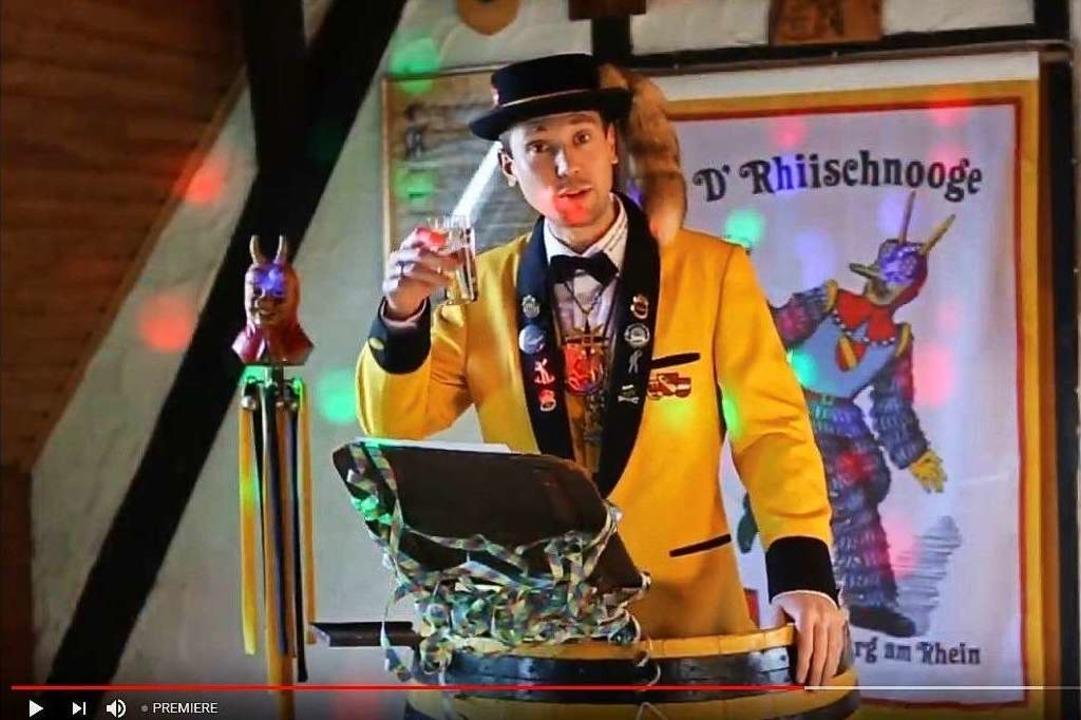 Auch online kann man zusammen auf die ...ter Tobias Anlicker bei der Eröffnung.  | Foto: Screenshot: Youtube