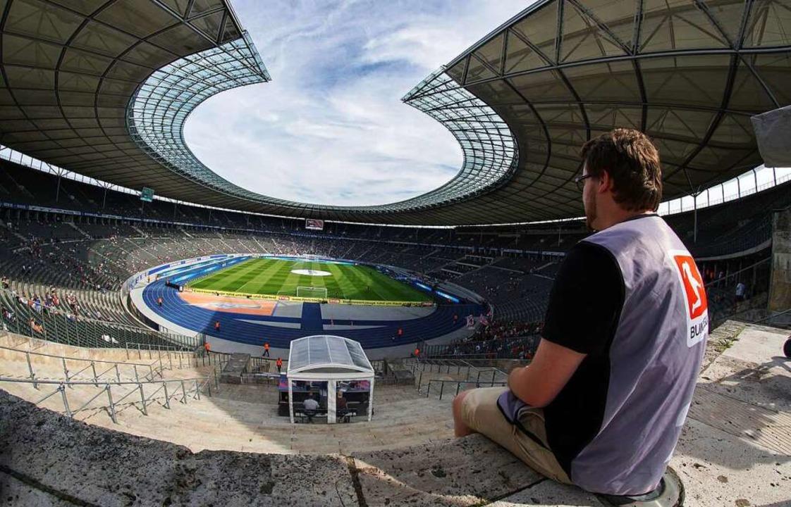 Arne Amberg (26) ist Vorsitzender der ..., wie hier im Berliner Olympiastadion.  | Foto: Arne Amberg