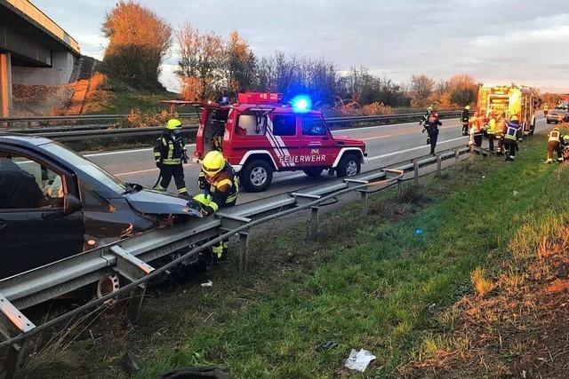 Langer Stau auf der Autobahn nach Unfall mit mehreren Verletzten