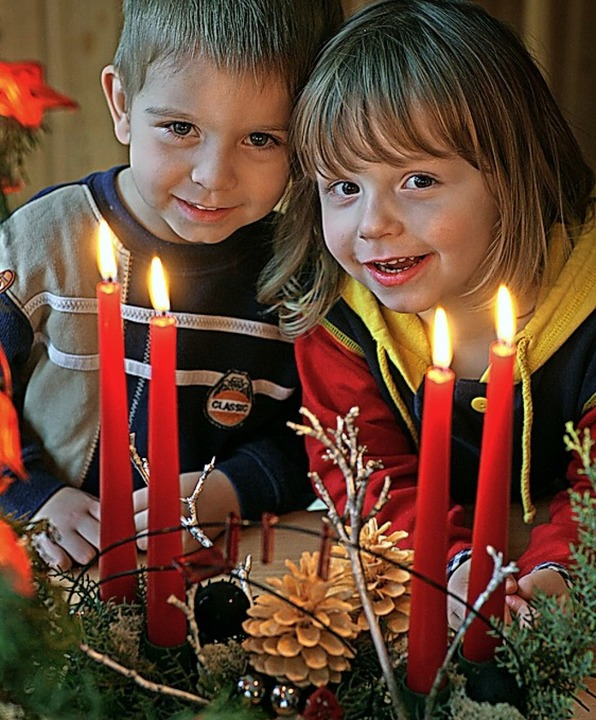 Spannende Adventszeit: Was morgen wohl drin ist?    Foto:  Patrick Pleul dpa/lbn