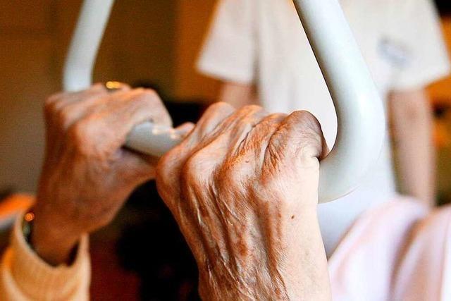 Ortenaukreis erweitert Corona-Schutzkonzept für Pflegeeinrichtungen