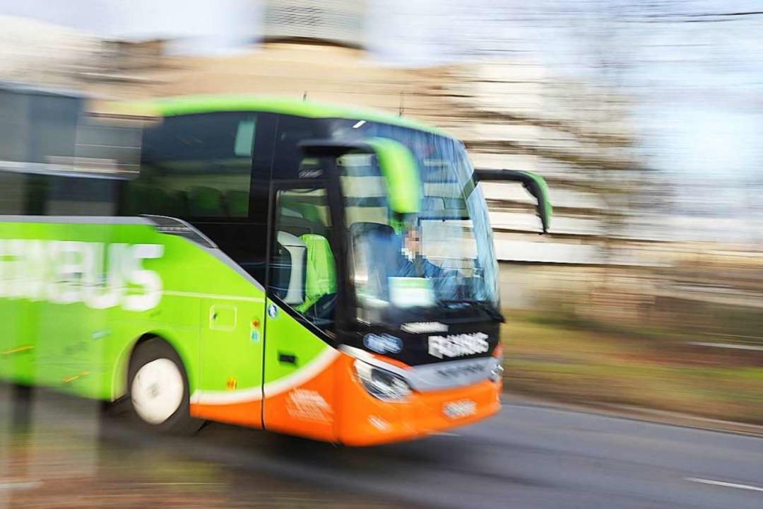 Mit dem Fernbus unterwegs: Rechte bei ... und anderen Problemen sind definiert.  | Foto: stefan zeitz via www.imago-images.de