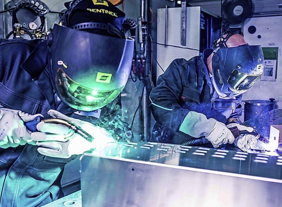 Schweißarbeiten bei Wecubex in Herbolzheim  | Foto: FLASH.IFFECT