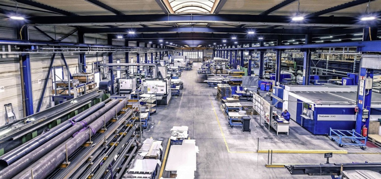 Blick in die Produktionshalle von Wecu...rt im nördlichen Breisgau beschäftigt.  | Foto: FLASH.IFFECT