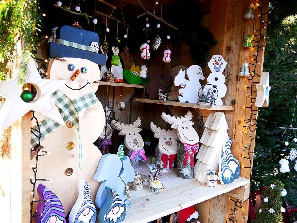 Winterliche und weihnachtliches Figure...von Cornelia Roth zu sehen und kaufen.    Foto: Eva Korinth