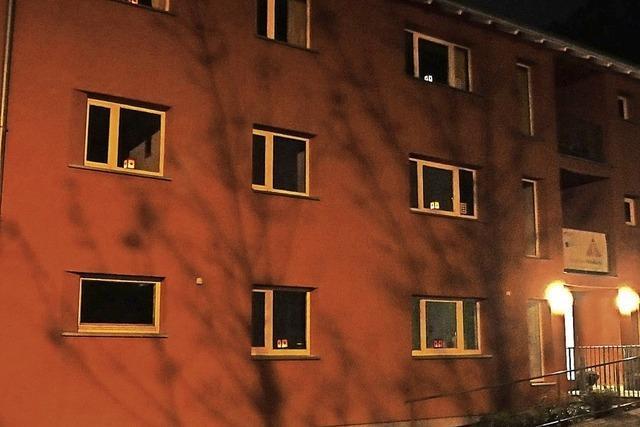 Schöne Lichteraktion im und um das Rote Haus