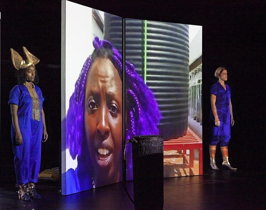 "Gelungener Hybrid: Szene aus ""Learning Feminism from Rwanda""    Foto: Alexander Barta"