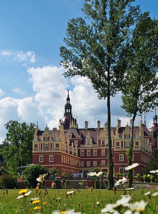 Das komplett neu aufgebaute Schloss im...von 46 Welterbestätten in Deutschland.  | Foto: Patrick Pleul
