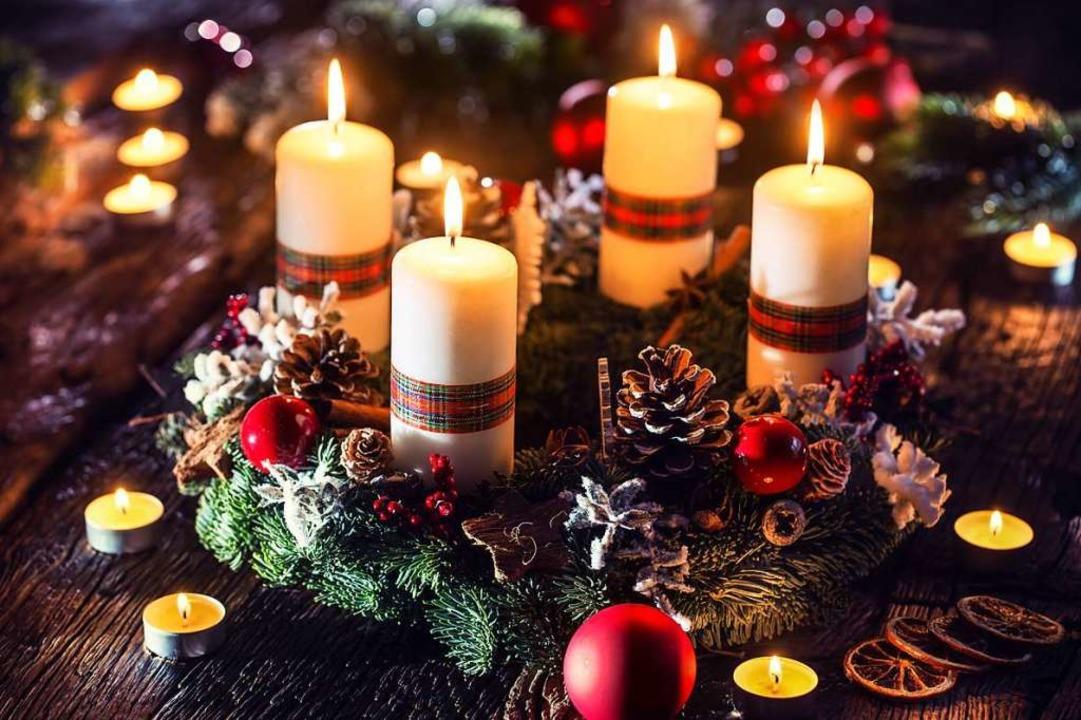 Ein selbst gefertigter und dekorierter...ranz bringt Vorfreude auf Weihnachten.  | Foto: weyo (stock.adobe.com)