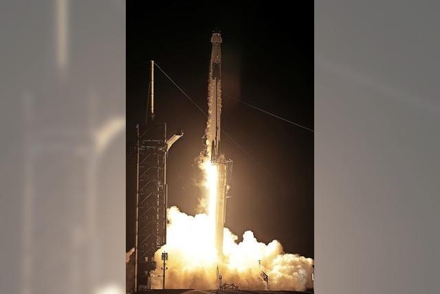 SpaceX-Rakete startet erstmals bemannt zur ISS