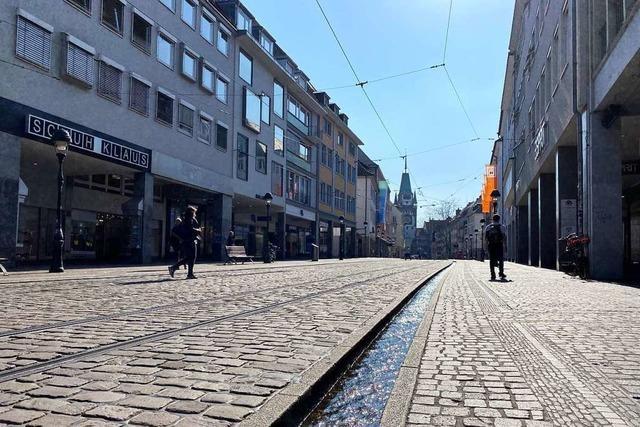 Zwei Raubüberfälle in Freiburger Altstadt von männlichem Täter, der ähnlich beschrieben wird