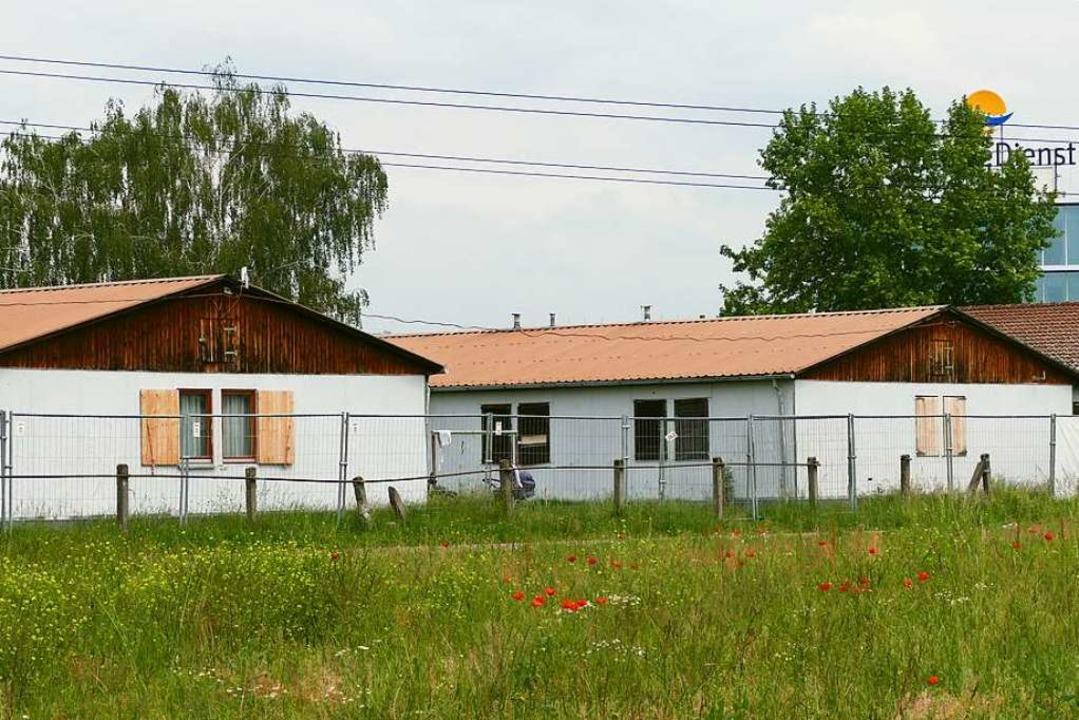 Die Gemeinschaftsunterkunft an der   R...hrittweise durch einen Neubau ersetzt.  | Foto: Ralf H. Dorweiler