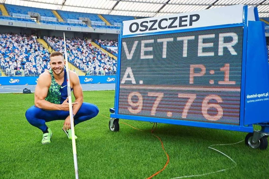 In Polen setzte Johannes Vetter in die... ein Ausrufezeichen mit 97,76 Metern.   | Foto: LUKASZ SZELAG (AFP)