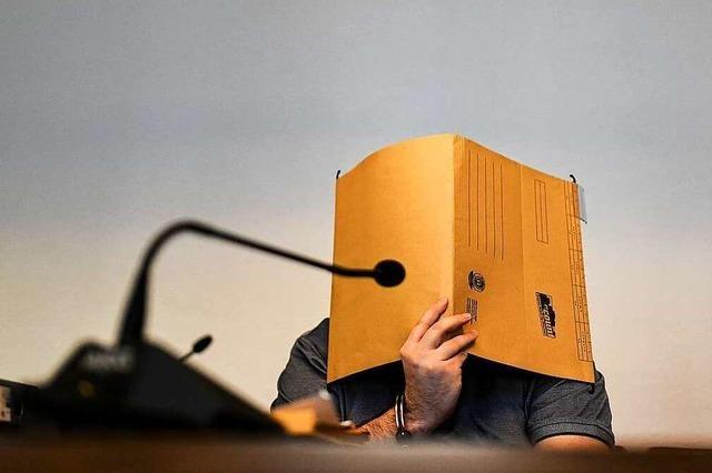 Angeklagter Spanier klagt über Strafvollzug, zeigt aber auch Reue