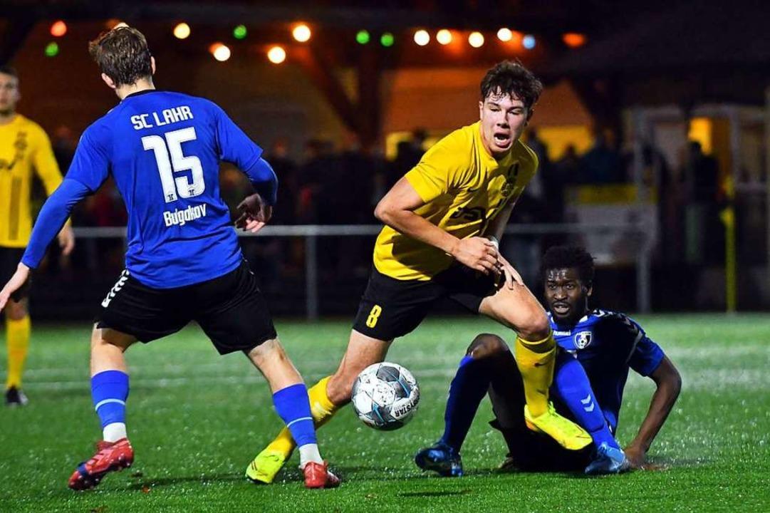 In der Bezirksliga – hier FV Sul...; wurde zuletzt Ende Oktober  gekickt.  | Foto: Wolfgang Künstle