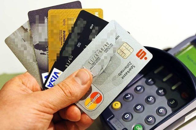 Gestohlene Bankkarten sperren zu lassen, ist eine aufwändige Sache