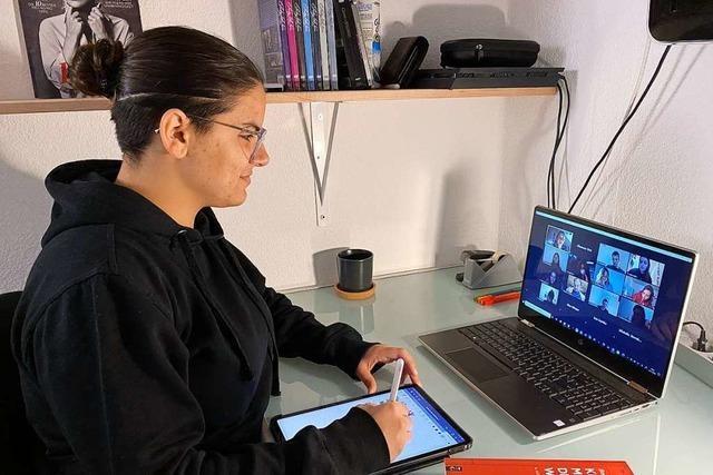 Videokonferenz im WG-Zimmer statt Hörsaal-Luft und Uni-Seminar