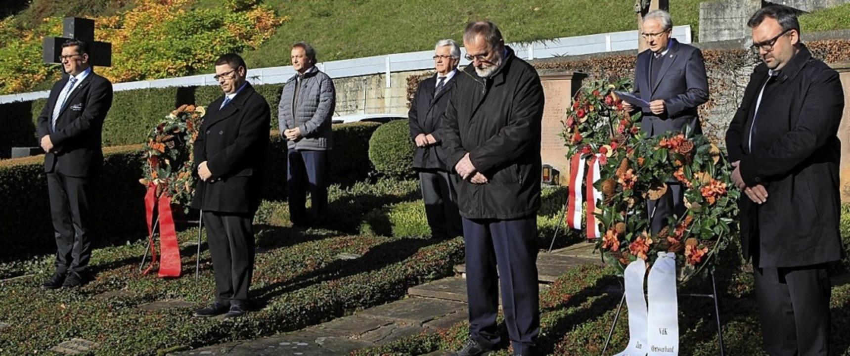 Zum Volkstrauertag gab es in Zell ein stilles Gedenken.   | Foto: privat