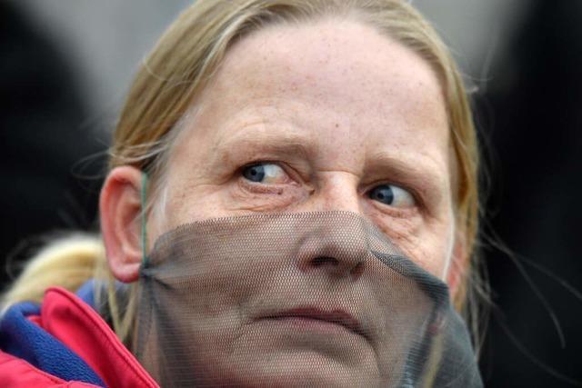Stadt Lörrach genehmigte Kundgebung der Corona-Gegner ohne Maskenpflicht
