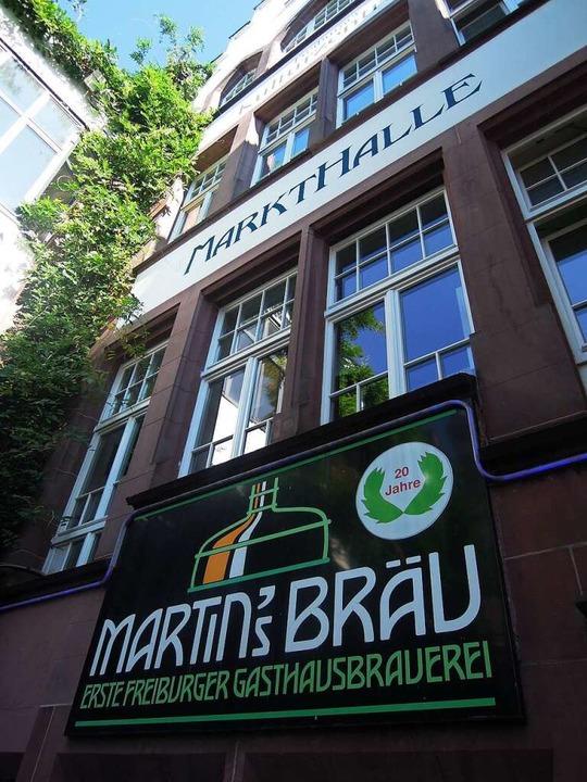 Direkt am Martinstor: Hausbrauerei Martin's Bräu.  | Foto: serger
