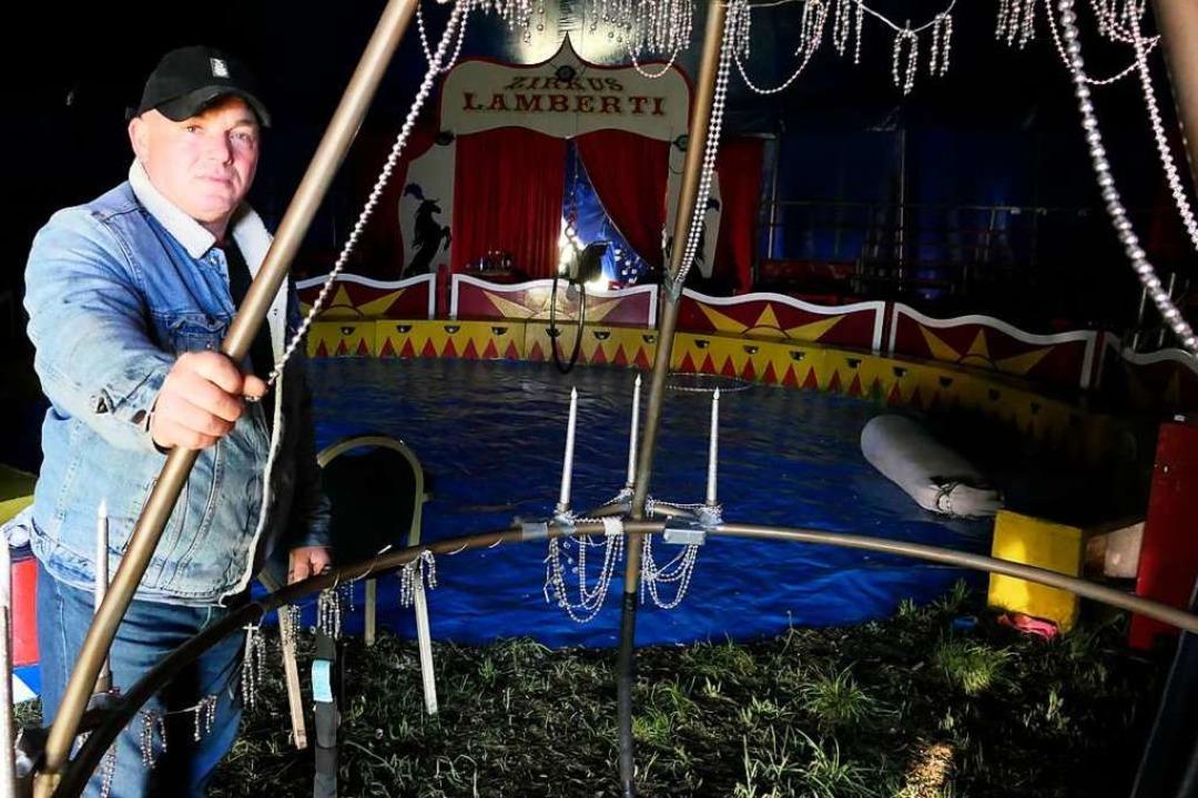 Zirkuschef Johann Zinnecker hofft auf ...Ende der corona-bedingten Zwangspause.  | Foto: Hans-Peter Müller