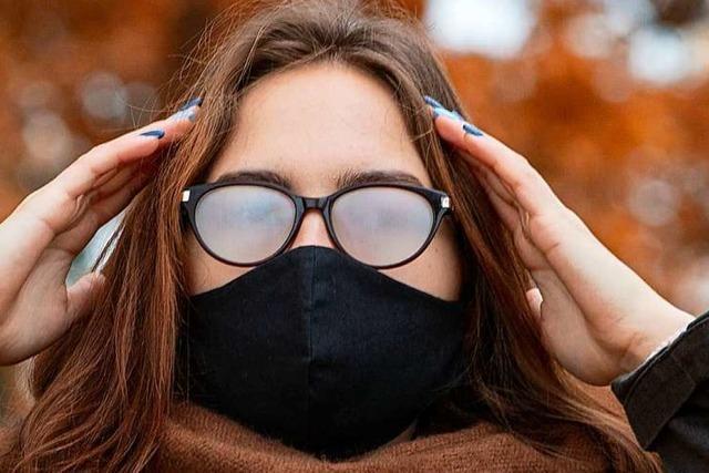 So beschlägt die Brille beim Maskentragen weniger