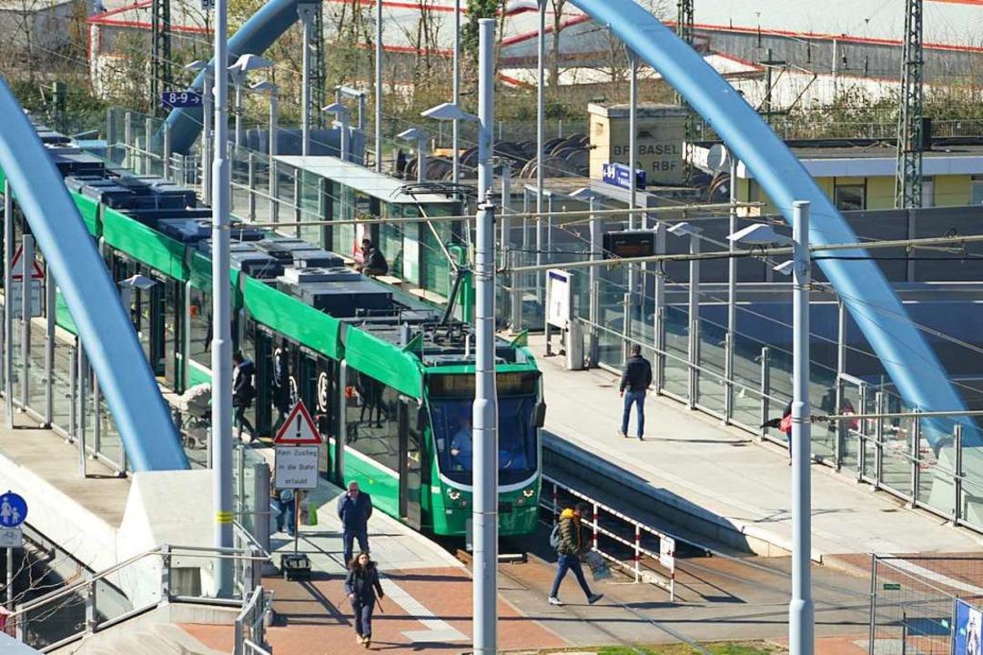 Die Tram in Weil am Rhein soll verlängert werden.  | Foto: Victoria Langelott
