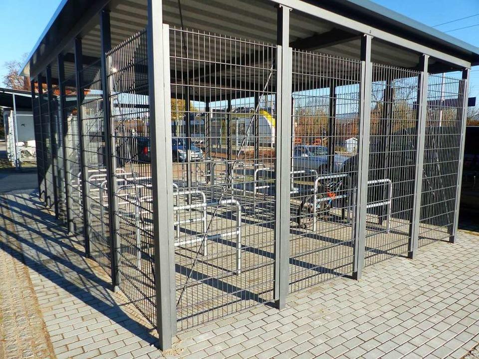 Die neue abgeschlossene Fahrradbox am Eichstetter Bahnhof  | Foto: Claudia Bachmann-Goronzy