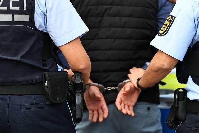Polizei nimmt wegen Betrugs Gesuchten am Grenzübergang Rheinfelden fest