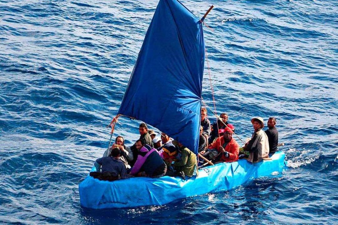 Flüchtlinge in einem Schlauchboot  | Foto: Us Coast Guard