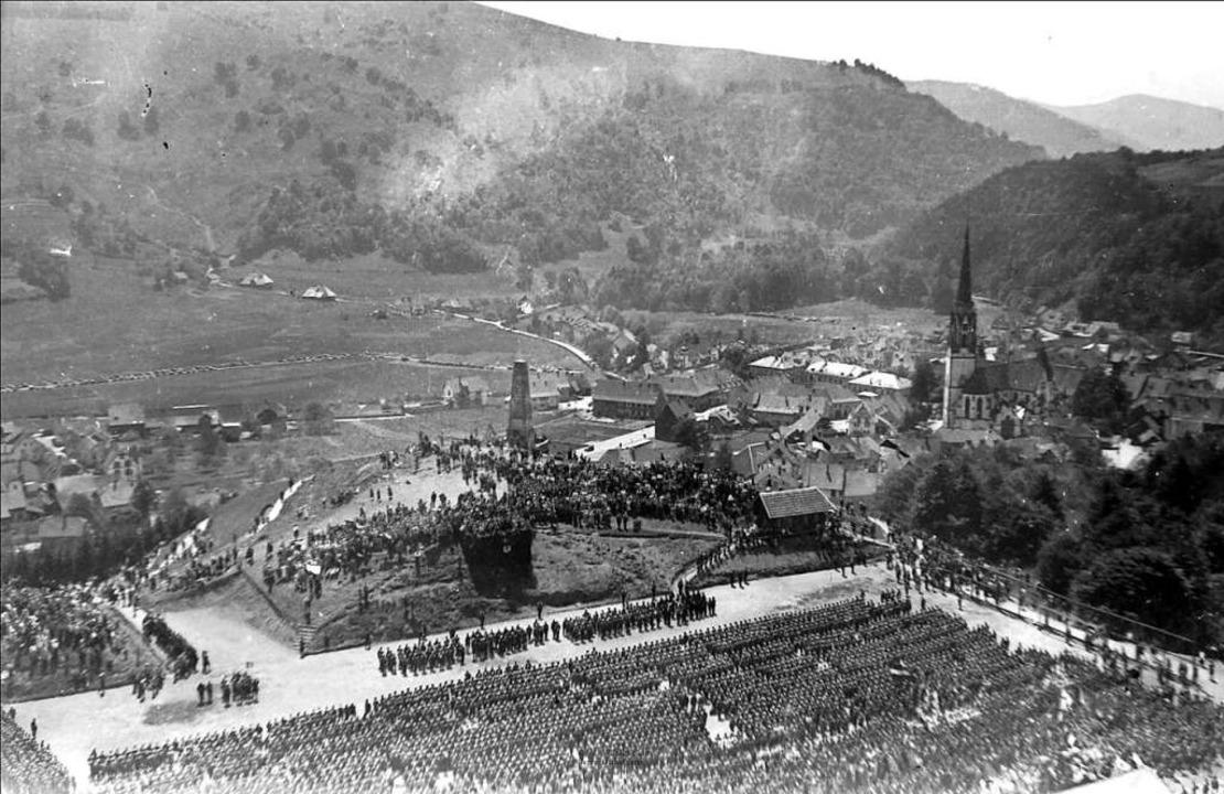 In seiner Heimatstadt Schönau wurde fü...zialisten nach 1933 große Paraden aus.    Foto: privat / Wilhelm Senn