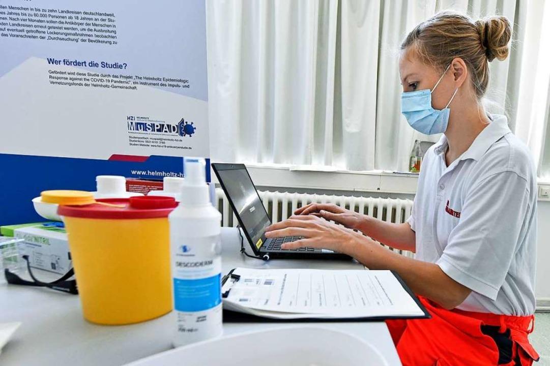 Im Sommer unterstützen die Johanniter das HZI bei der Corona-Antikörperstudie.  | Foto: Michael Bamberger