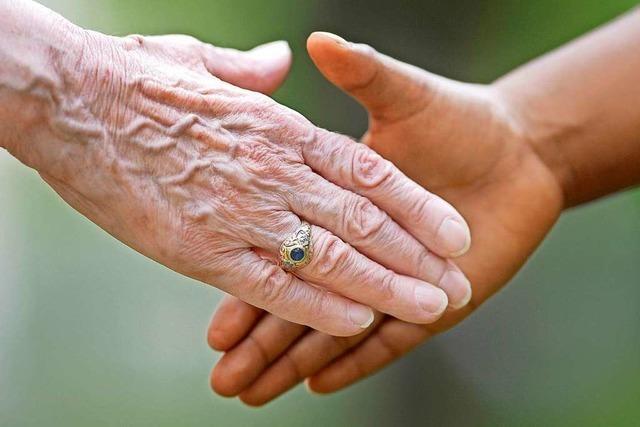 Warum schütteln wir uns zur Begrüßung die Hände?