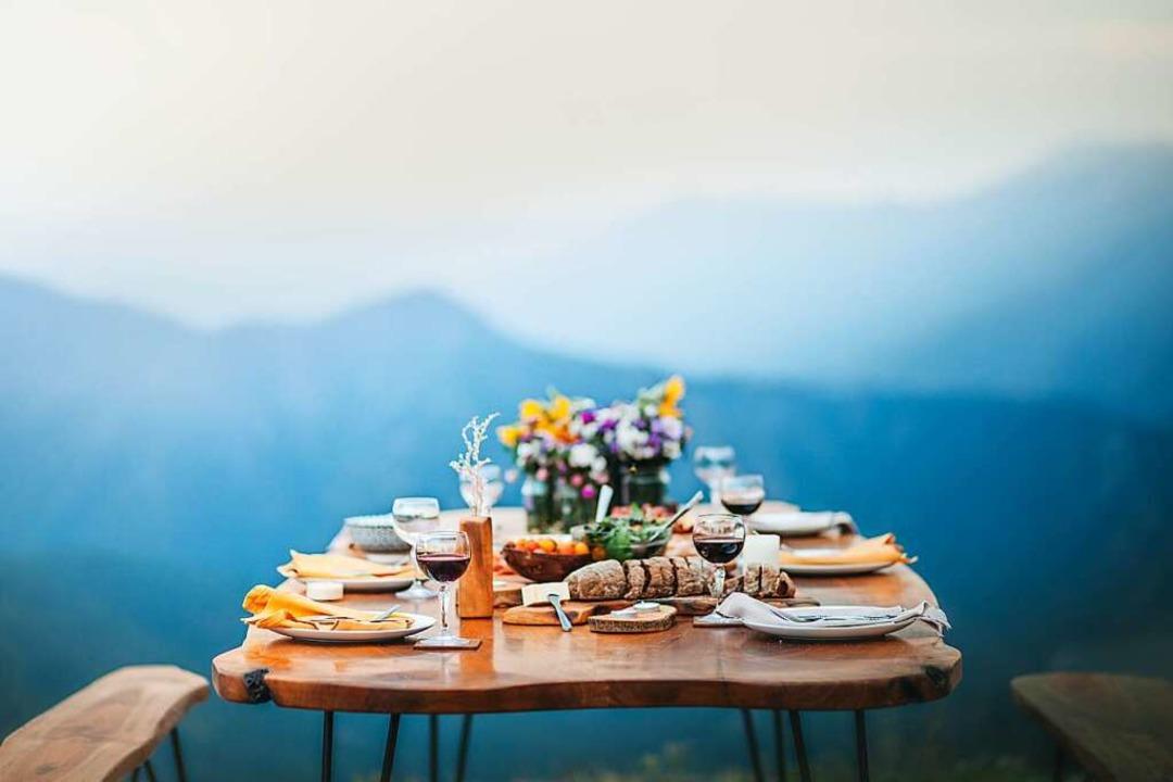 Liebe geht durch den Magen – und gutes Essen weckt Urlaubsgefühle.  | Foto: Suteren Studio  (stock.adobe.com)