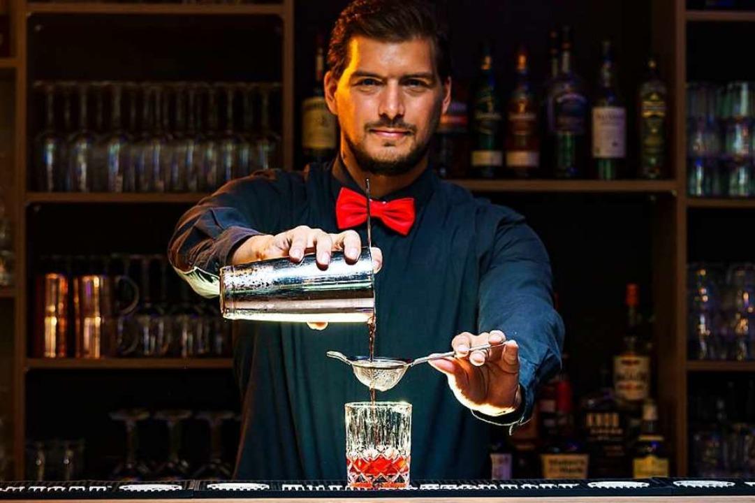 Wie die Profis Cocktails mixen, zeigt ...ine-Kurs der Black Forest Bar Academy.    Foto: Valentin Behringer (Gutmann Media)