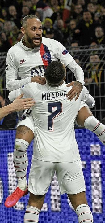 Die PSG-Stars Neymar und Kylian Mbappé wollen gegen RB punkten.  | Foto: SASCHA SCHURMANN (AFP)