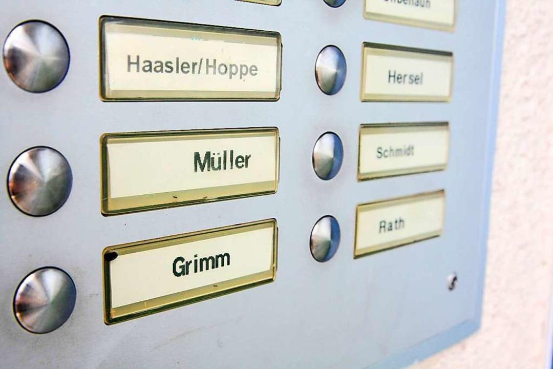 Einfach mal klingeln und ins fremde Ha...m sucht nun die Polizei  (Symbolbild).  | Foto: Philipp Brandstädter