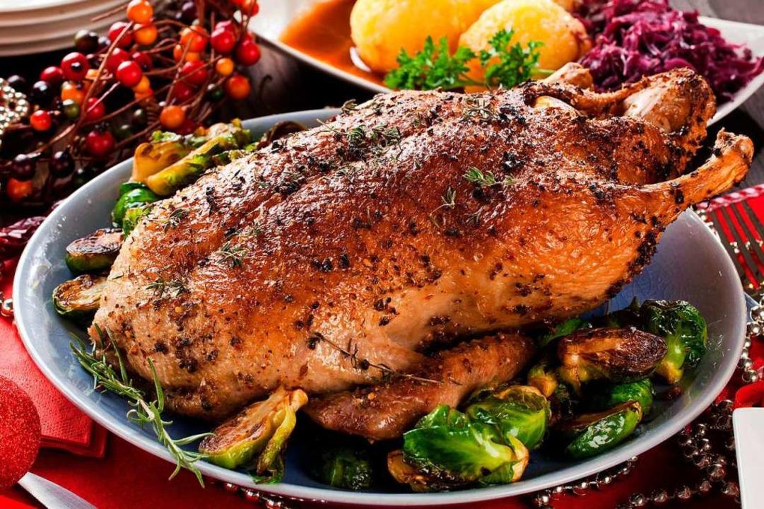 Wer auf den Gänsebraten nicht verzicht...ertig gebraten in Restaurants abholen.  | Foto: karepa  (stock.adobe.com)