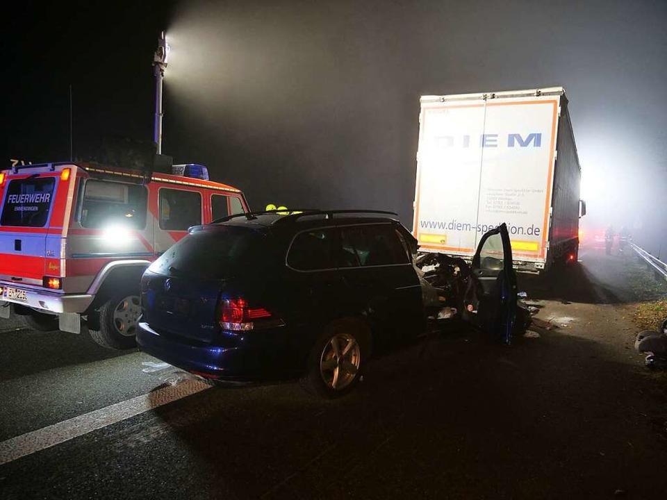 Die Flucht des Lkw-Fahrers mit dem unt...urz hinter der Anschlussstelle Riegel.  | Foto: kamera24.tv