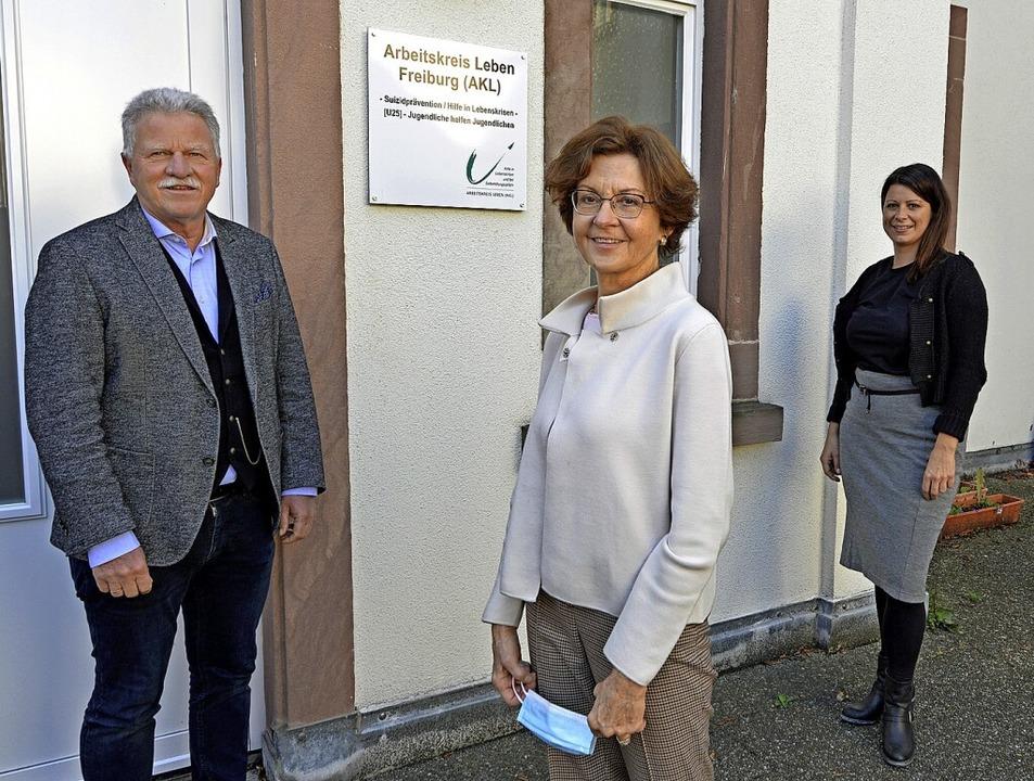 Thomas Nieberle, Brigitte Benzing-Haeg...en sich für den Arbeitskreis Leben ein  | Foto: Michael Bamberger